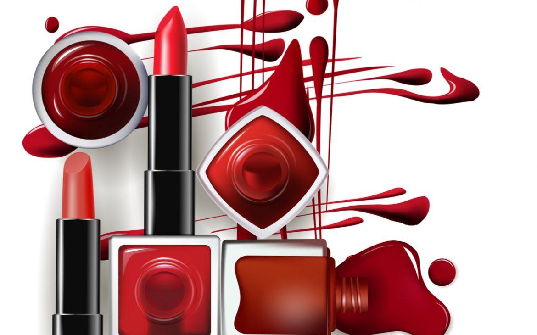 Auswahl an Kosmetik wie Lippenstift und Nagellack.
